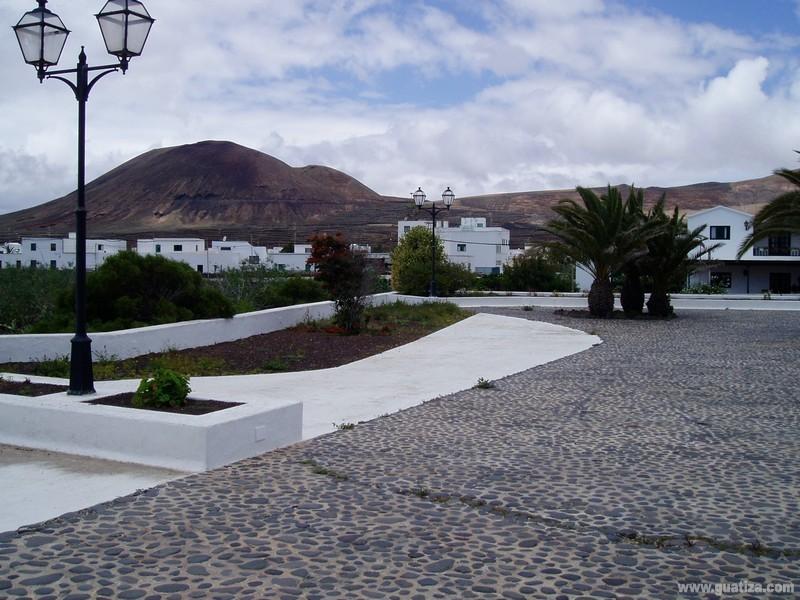 Plaza_de_guatiza_01